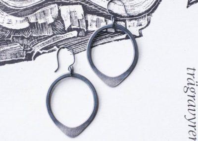 Teardrop earrings silver