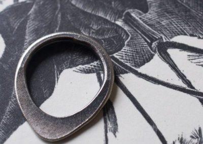 Teardrop ring silver